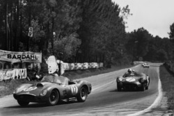 Ricardo Rodriguez, Andre Pilette, Ferrari 250 TR59, leads Jim Clark, Roy Salvadori, Aston Martin DBR1/30