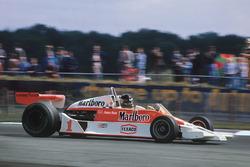 Джеймс Хант, McLaren M26-Ford