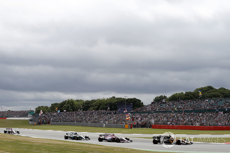 Ніко Хюлькенберг, Renault Sport F1 Team RS17, Естебан Окон, Sahara Force India F1 VJM10, Валттері Боттас, Mercedes AMG F1 W08