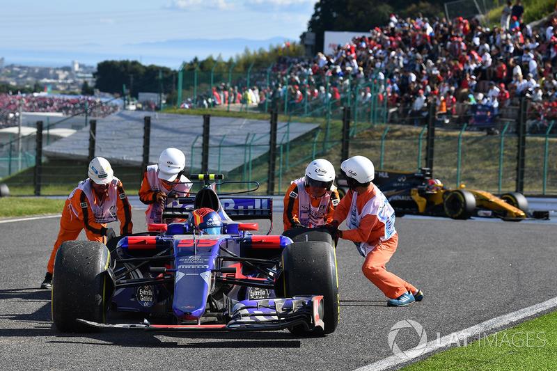 Carlos Sainz Jr., Scuderia Toro Rosso STR12 se retira de la carrera