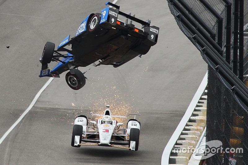 1. Scott Dixon, Chip Ganassi Racing Honda crashes, Helio Castroneves, Team Penske Chevrolet passes