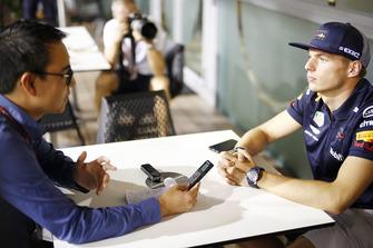 Max Verstappen, Red Bull Racing talks to Motorsport.com journalist Erwin Jaeggi