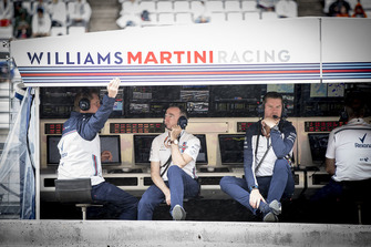 Paddy Lowe, Williams Racing, and Rob Smedley, Head of Vehicle Performance, Williams Martini Racing, on the pit wall