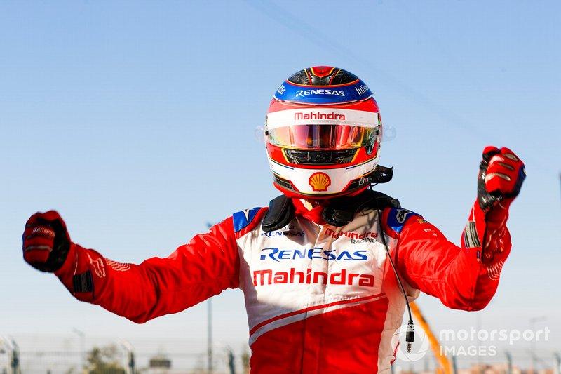 Ganador de la carrera Jérôme d'Ambrosio, Mahindra Racing, celebra en Parc Ferme