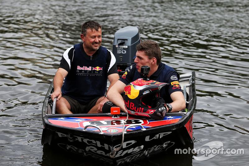 Max Verstappen, Red Bull Racing, auf dem Yarra River