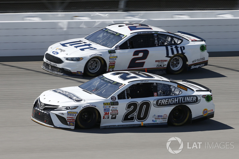 Matt Kenseth, Joe Gibbs Racing Toyota Brad Keselowski, Team Penske Ford