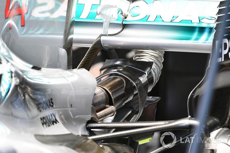 Mercedes-Benz F1 W08 : vue détaillée de l'aileron arrière