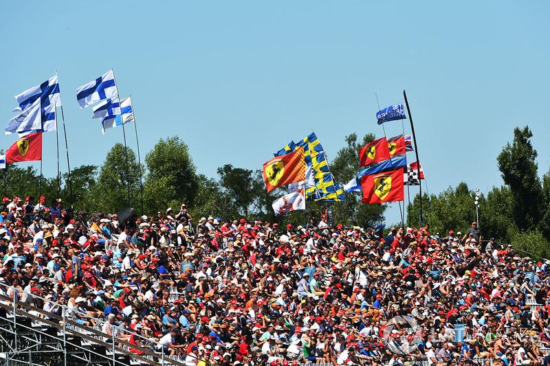 Aficionados y banderas