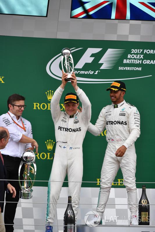Гоночний інженер Mercedes AMG F1 Пітер Боннінгтон, Льюіс Хемілтон, Валттері Боттас, Mercedes AMG F1