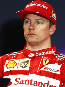 Le poleman Kimi Raikkonen, Ferrari, en conférence de presse