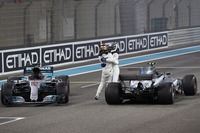 Le deuxième, Lewis Hamilton, Mercedes AMG F1, le vainqueur Valtteri Bottas, Mercedes AMG F1