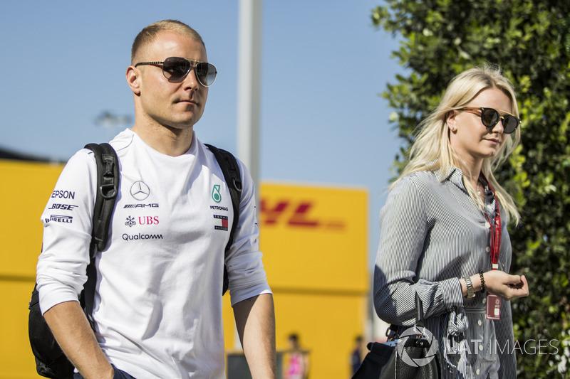 Valtteri Bottas, Mercedes-AMG F1, bersama istri, Emilia Pikkarainen