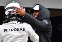 Lewis Hamilton, Mercedes AMG F1 celebrates with polesitter Valtteri Bottas, Mercedes AMG F1 in parc ferme