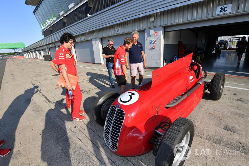 Sebastian Vettel, Ferrari se penche sur une ancienne Ferrari