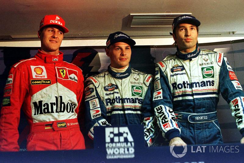 A classificação para a final não desapontou: Villeneuve, Schumacher e Frentzen cravaram exatamente o mesmo tempo: 1min21s072. A ordem no grid foi definida pela ordem cronológica das voltas.