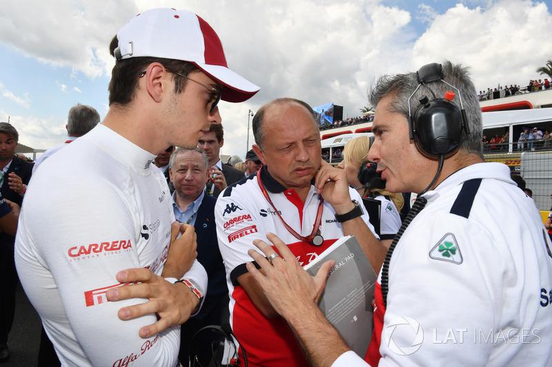 Charles Leclerc, Sauber, Frederic Vasseur, Sauber, Team Principal and Xevi Pujolar, Sauber Head of Track Engineering on the grid