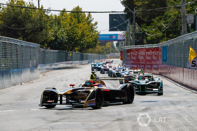 Jean-Eric Vergne, Techeetah leadsNelson Piquet Jr., Jaguar Racing, Andre Lotterer, Techeetah
