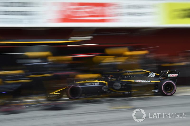 Carlos Sainz Jr., Renault Sport F1 Team RS18 pit stop