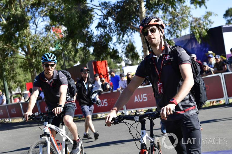 Romain Grosjean, Haas F1 en una bici