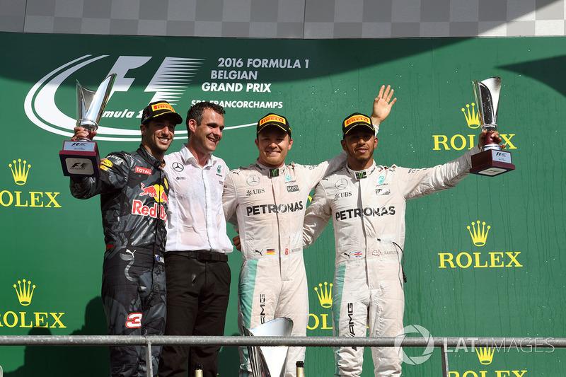 Podyum: Yarış galibi Nico Rosberg, Mercedes AMG F1, 2. Daniel Ricciardo, Red Bull Racing, Hywel Thomas, Mercedes AMG F1, 3. Lewis Hamilton, Mercedes AMG F1