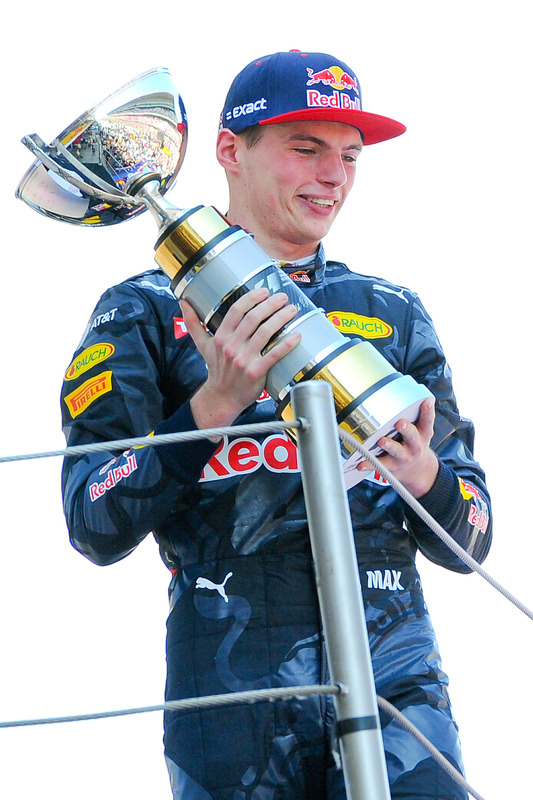 Max Verstappen, Red Bull Racing feiert seinen ersten Sieg