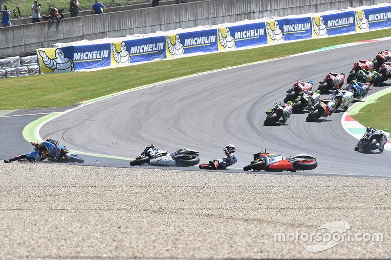 Jack Miller, Marc VDS Racing Honda, Alvaro Bautista, Aprilia Racing Team Gresini and Loris Baz, Avintia Racing crash
