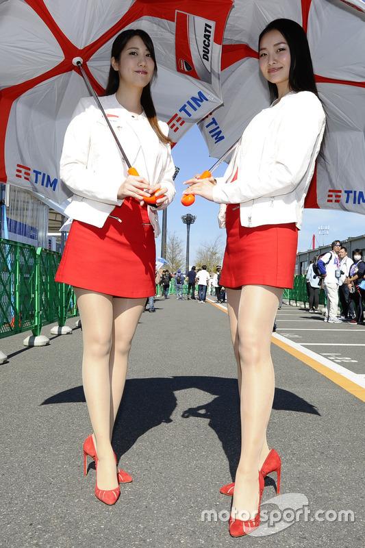 Chicas Ducati Corse