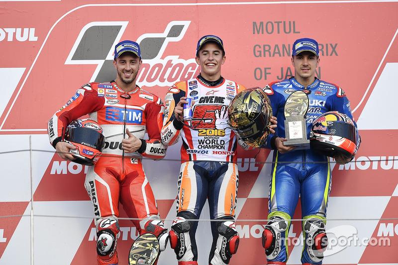 Podium 2016: Pemenang balapan, Marc Marquez, Repsol Honda Team, peringkat kedua, Andrea Dovizioso, Ducati Team, peringkat ketiga, Maverick Viñales, Team Suzuki Ecstar MotoGP