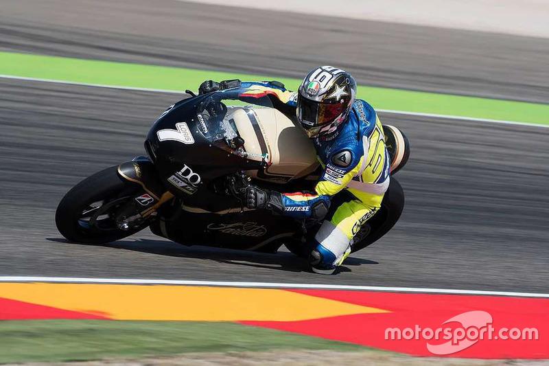 Loris Capirossi melakukan tes motor MotoE di Aragon