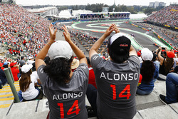 Alonso fans watch the formation lap