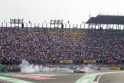 Lewis Hamilton, Mercedes AMG F1 W08 celebra su campeón del mundo 2017