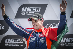 Podium: Race winner Norbert Michelisz, BRC Racing Team Hyundai i30 N TCR