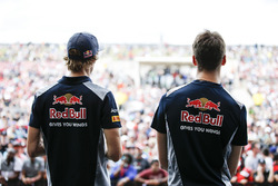 Daniil Kvyat, Scuderia Toro Rosso, Brendon Hartley, Scuderia Toro Rosso, on the F1 stage