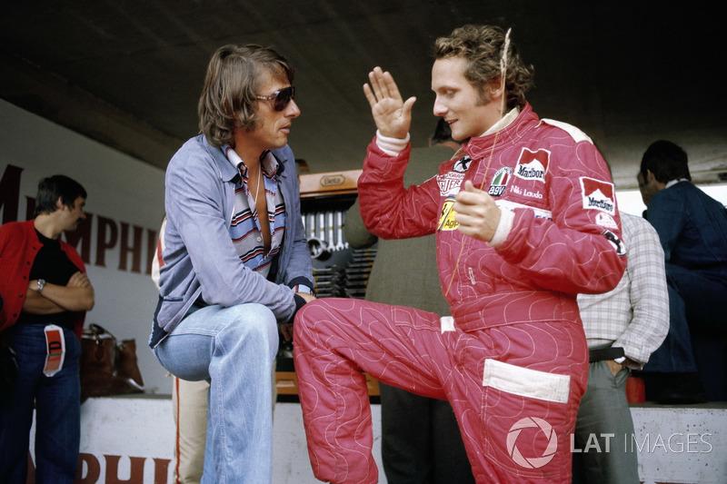 Il cantautore austriaco Udo Jurgens con Niki Lauda, Ferrari