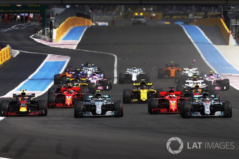 Sebastian Vettel, Ferrari SF71H und Valtteri Bottas, Mercedes-AMG F1 W09