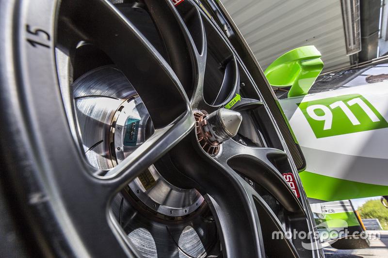 2019 Porsche 911 GT3 R detail