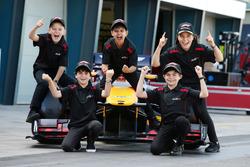 Grid Kids: Toby, Brad, Lewis, Cadel e Aiva