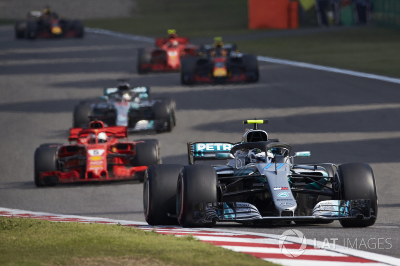 Валттері Боттас, Mercedes AMG F1 W09, Себастьян Феттель, Ferrari SF71H, Льюіс Хемілтон, Mercedes AMG F1 W09