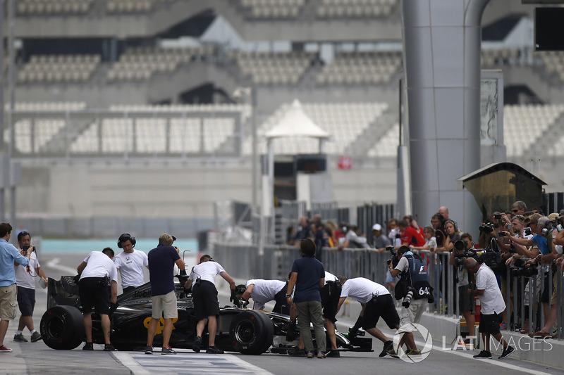 Noviembre de 2014: Los primeros signos de problemas en el test de Abu Dhabi