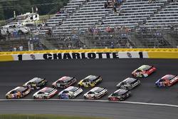 Chase Elliott, Hendrick Motorsports, Chevrolet Camaro SunEnergy1 and Aric Almirola, Stewart-Haas Racing, Ford Fusion Smithfield/Waffle House