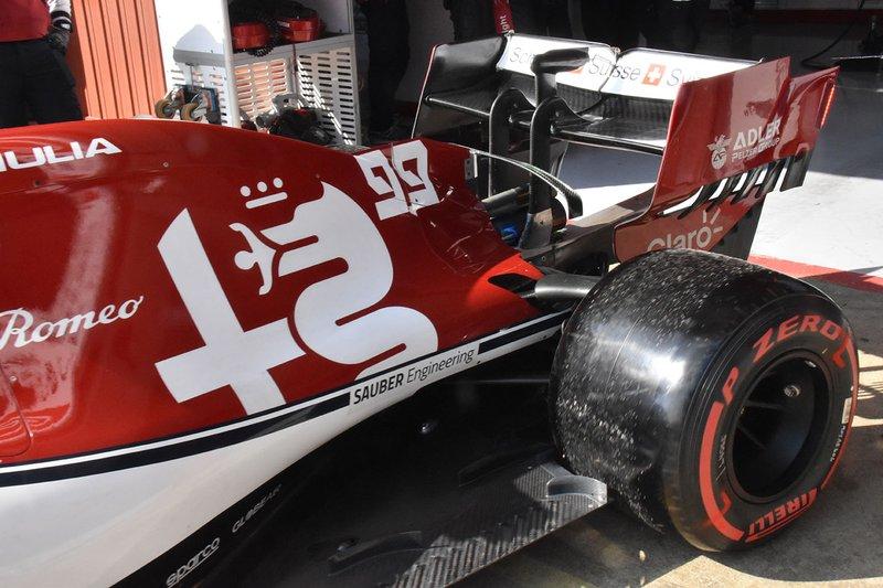 Задня частина Alfa Romeo Racing C38