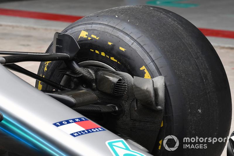 Воздухозаборники передних тормозов Mercedes F1 W09