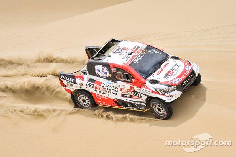 #301 Toyota Gazoo Racing Toyota Hilux: Насер Аль-Аттія, Матьйо Бомель