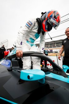 Gary Paffett, HWA Racelab, gets into his VFE-05