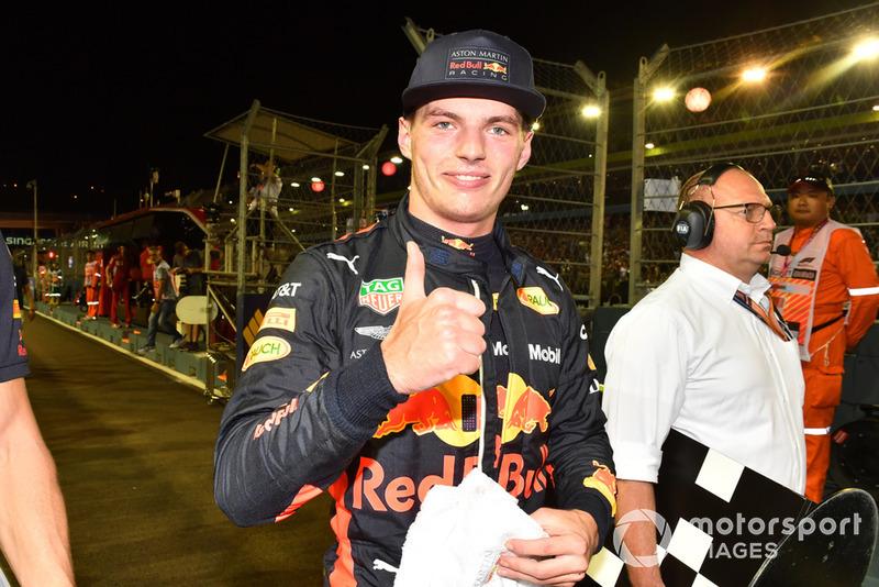 Max Verstappen, Red Bull Racing, festeggia nel parco chiuso
