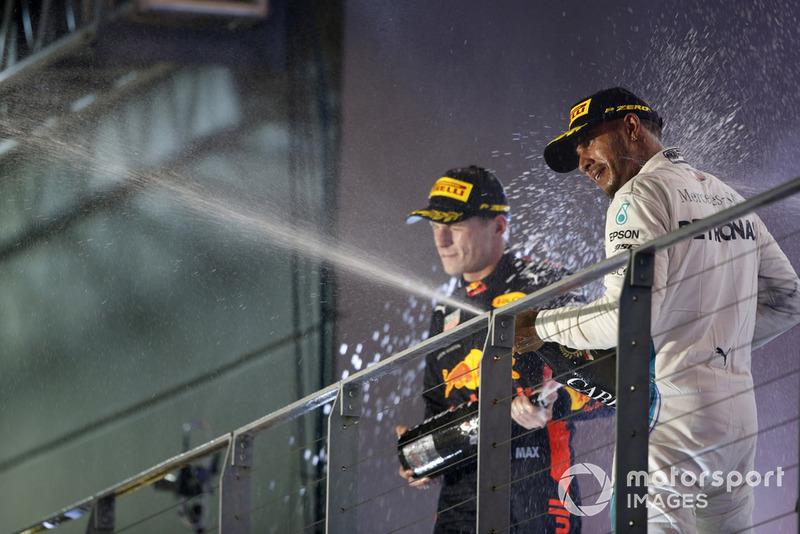 GP de Singapur: El único que inquietó a Hamilton