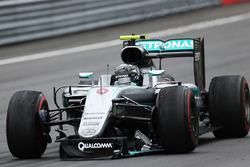 Nico Rosberg, Mercedes AMG F1 limps around the track