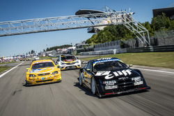 Joachim Winkelhock im 1996er Cliff   Calibra, Volker Strycek im 2003er Astra V8 Coupé und der Opel Astra TCR