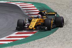 Nico Hulkenberg, Renault Sport F1 Team RS17, corrects a slide