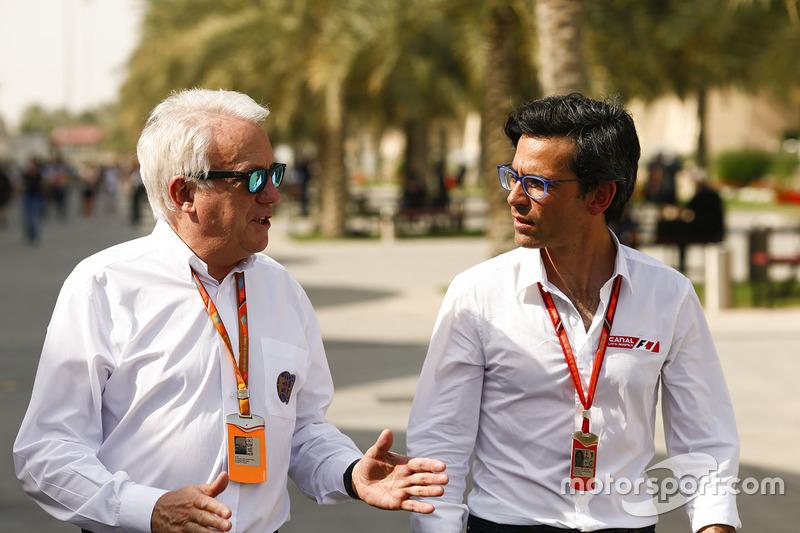 Charlie Whiting, FIA-Rennleiter; Diego Meija, Journalist